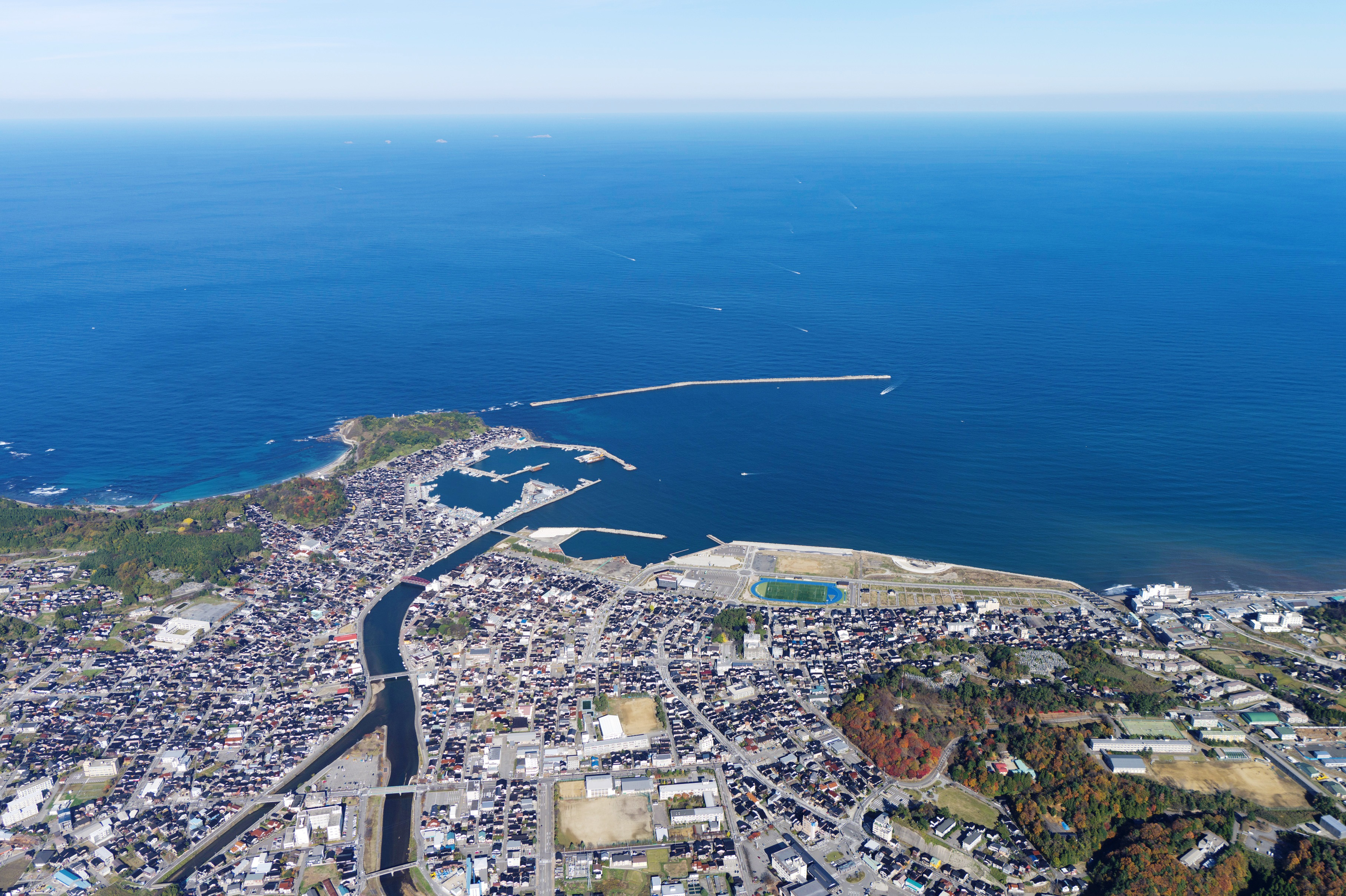 wajima chat Travel to the west from the central area of wajima city you are welcome to visit and chat with the craftsmen access from tokyo noto satoyama airport.